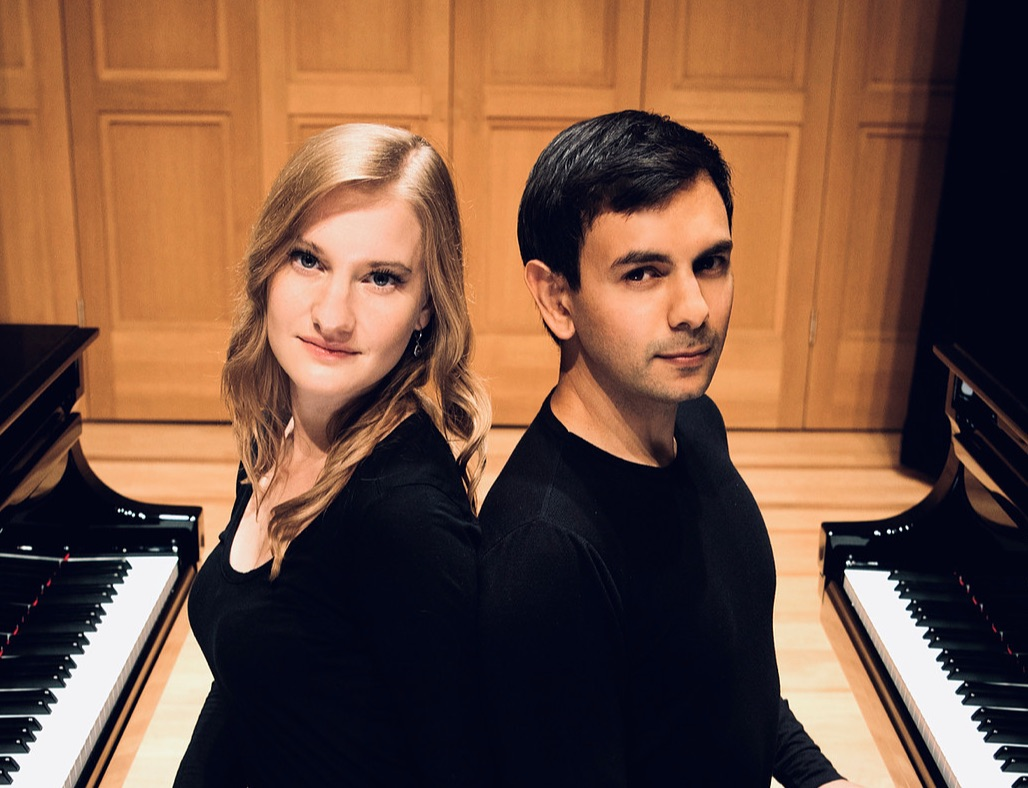 Vieness Piano Duo - Bach to Argentina
